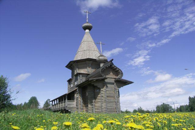 Церковь у истока Днепра.