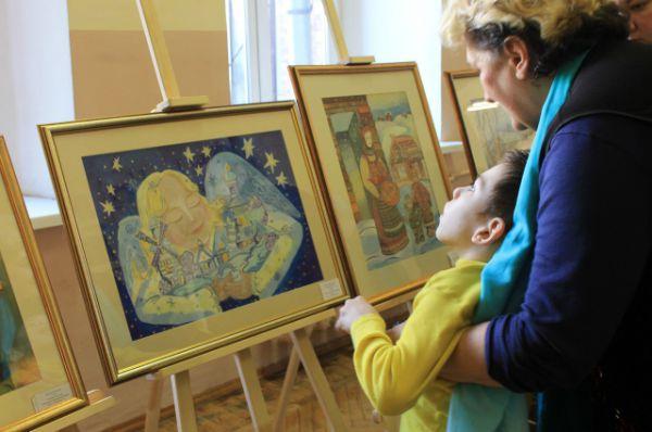 Выставкой детских рисунков во Дворце творчества мог полюбоваться каждый.
