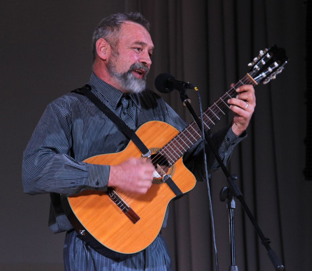 Константин Николаев подарил новую встречу с песнями Юрия Визбора