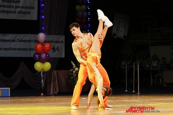 Количество трюков в танце регламентировано. Они должны сочетаться со всем номером и не выбиваться из него.