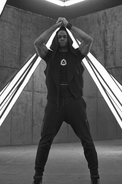 Кадр со съёмок фильма «Танцы насмерть».