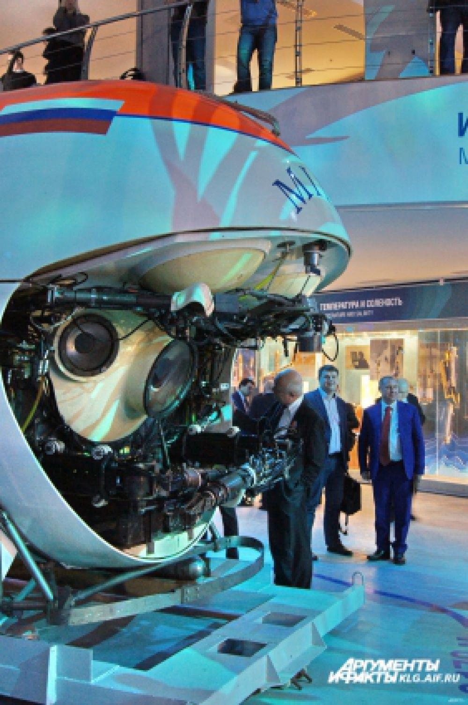 В 1991 и 1995 годах с помощью аппаратов «Мир» производились съемки кинофильмов на легендарном затонувшем судне «Титаник», лежащем на глубине 3800 метров.