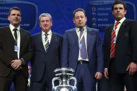 Главные тренеры сборных команды Словакии, Англии, России и Уэльса после жеребьевки финальной части Евро-2016.
