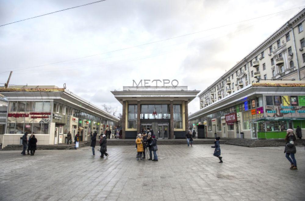 Торговые павильоны у метро Чистые пруды