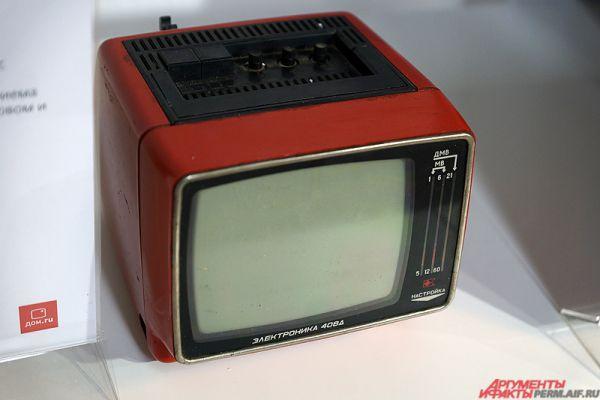 Телевизор «Электроника 408Д» 1985 года.