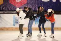 До конца года ледовый дворец примет еще несколько групп из детских домов Приморья.