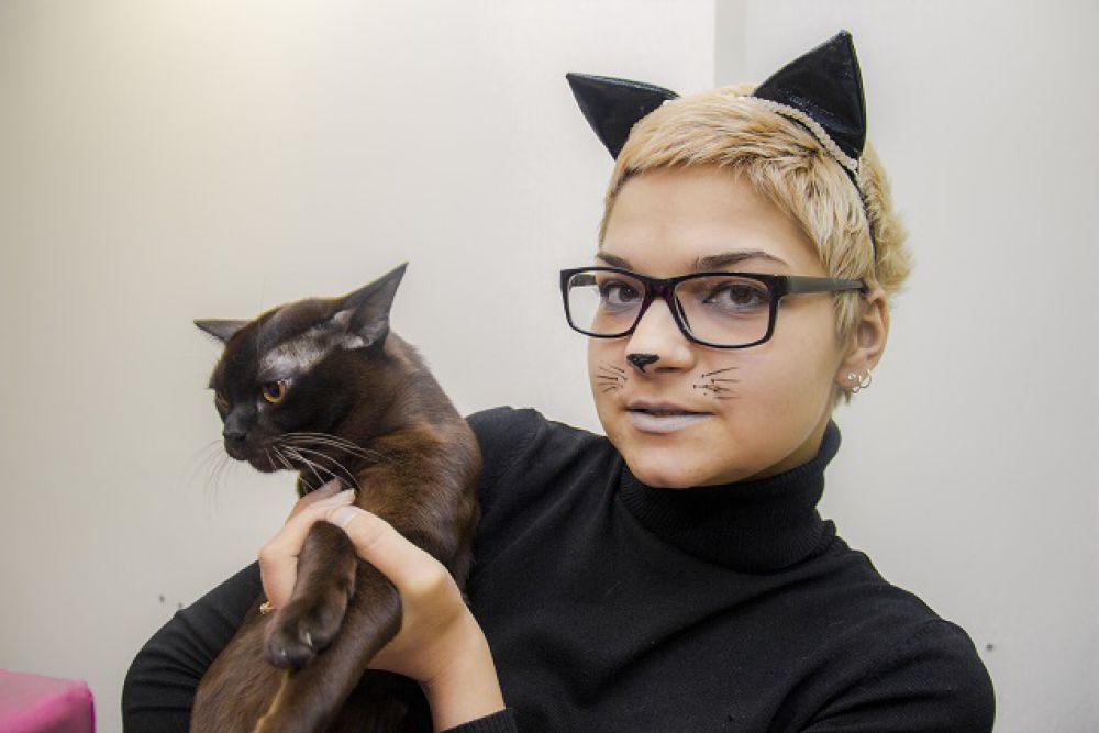 Цена бурманской кошки начинается от пяти тысяч долларов.