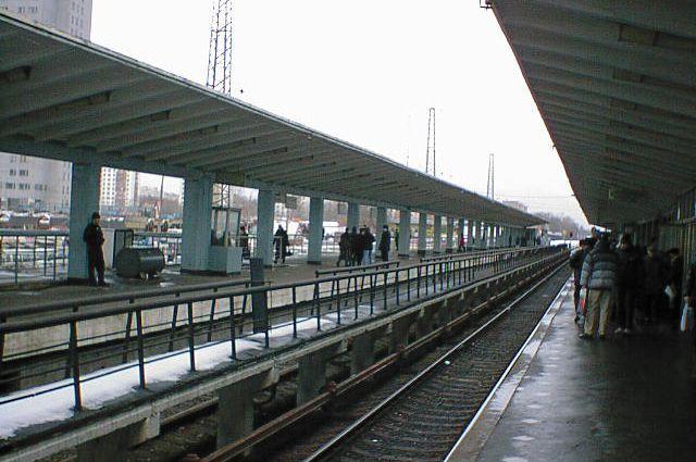 Платформы станции метро «Выхино» (бывшая «Ждановская»).