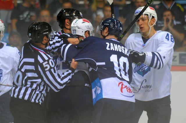 За «моряков» Иван Глазков в текущем сезоне сыграл 26 матчей.