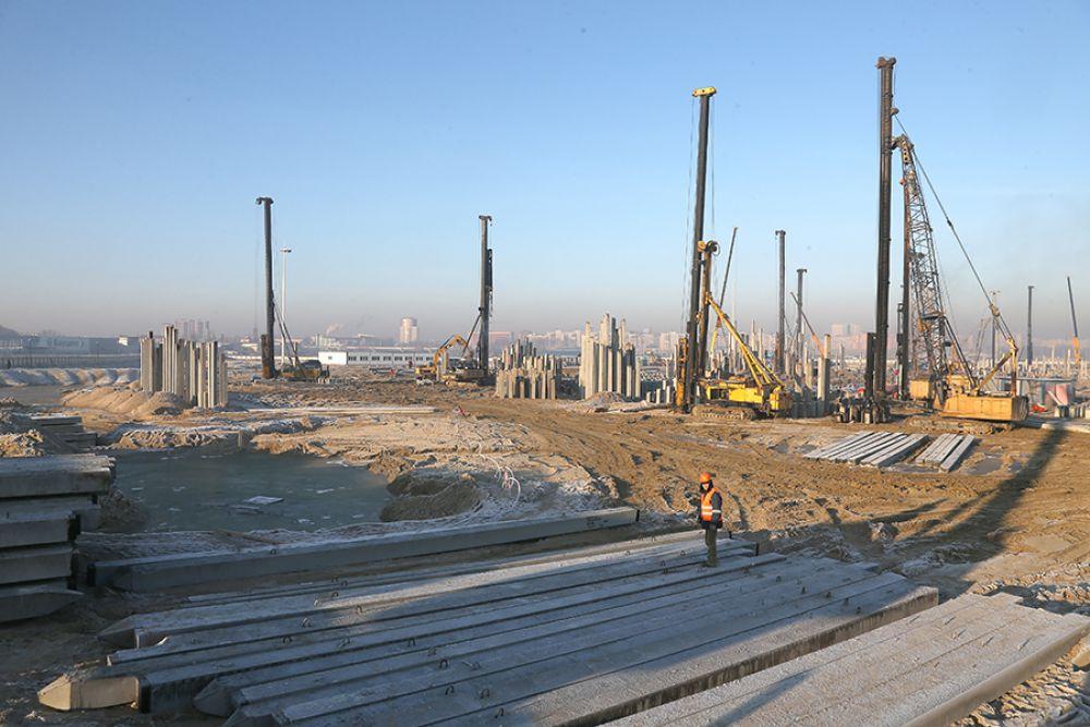 Январь 2016 года. Стадион к ЧМ-2018 в Калининграде. В основание стадиона к марту будет забито более 12 тысяч свай – порядка 40% из них поставили местные заводы.