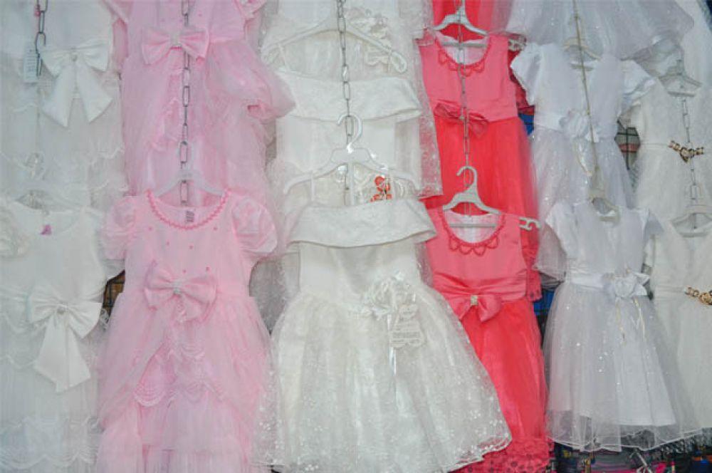 Нарядные бальные платья сделают вашу маленькую принцессу неотразимой на новогоднем празднике.