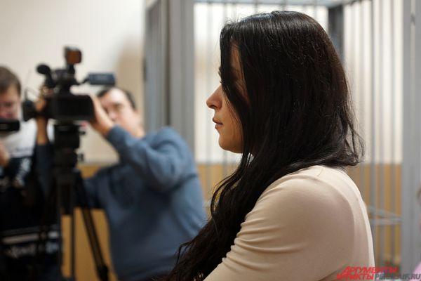 Однако суд приговорил Анну  к 1 году ограничения свободы. С учётом предыдущего приговора получается 1,5 года.