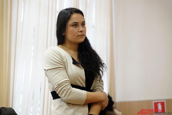 На суде отметили, что к предыдущему наказанию – ограничению свободы, девушка относится несерьёзно. Дважды она попросту не явилась в уголовно-исполнительную инспекцию, также она часто меняет место жительства.