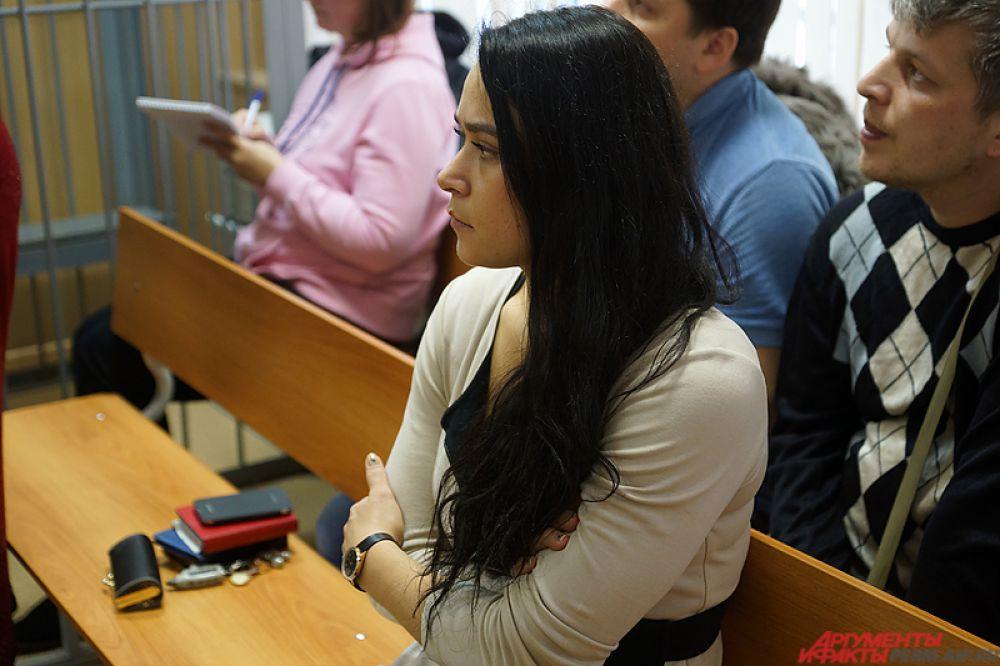 Сторона обвинения потребовала наказать Анну Е., отправив её в колонию-поселение сроком на 1 год.