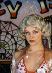 В 1998 году Йовович предстала в роли проститутки в картине Спайка Ли «Его игра» с Дензелом Вашингтоном.