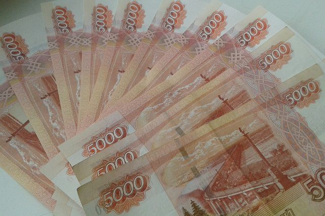 Омичка сняла со счёта и отдала мошенникам все свои деньги.