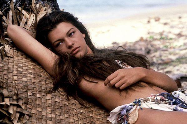 Милла Йовович впервые снялась в кино в 13 лет в фильме Залмана Кинга «Слияние двух лун» (1988). В 15 лет снялась в главной роли в фильме «Возвращение в голубую лагуну» (1991).