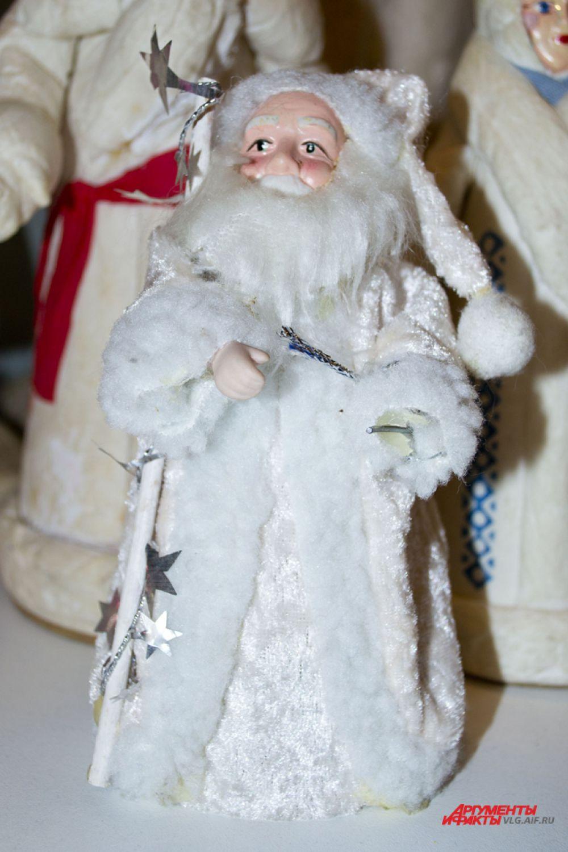 Производство Дедов Морозов из ваты было поставлено на поток в 50-70-е годы.