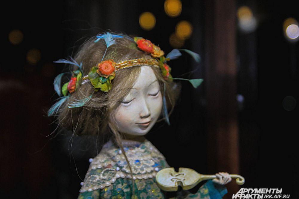 Все куклы выполнены сестрами, братьями и родителями даши Намдакова.