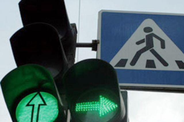 12:17 0 50 Пенсионерку переходившую на красный свет сбили Жигули Водитель не смог избежать столкновения хотя