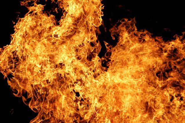 В Кировском округе загорелась пятиэтажка.