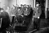 Скамья подсудимых. Хабаровск, декабрь 1949 г.