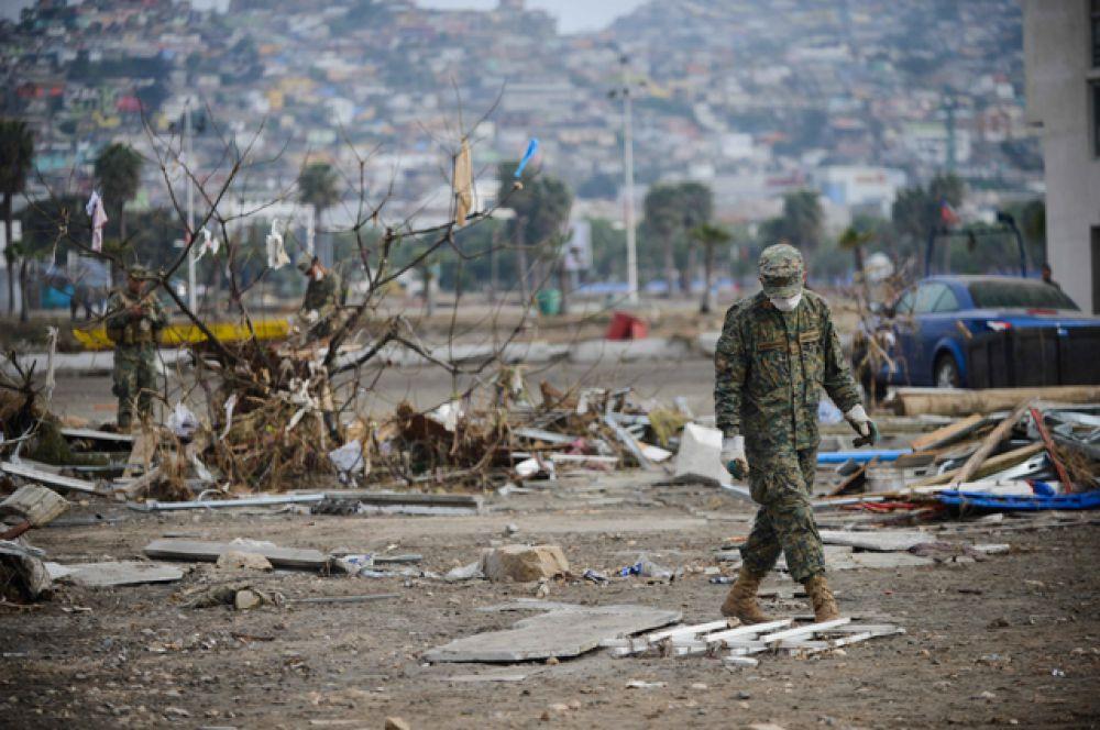 Крупное землетрясение магнитудой 6,1 произошло в сентябре 2015 в Чили. Эпицентр землетрясения располагался в 17 км к северу от города Иллапель. Толчки ощущались не только в Чили, но и в соседней Аргентине. После землетрясения на чилийское побережье обрушилось цунами. Были эвакуированы около миллиона жителей.