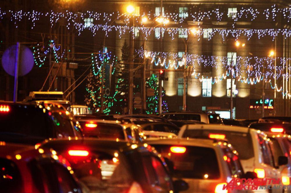 Новогоднее настроение в будни приходит постепенно. В городе зажигаются первые гирлянды, цветные фонарики...