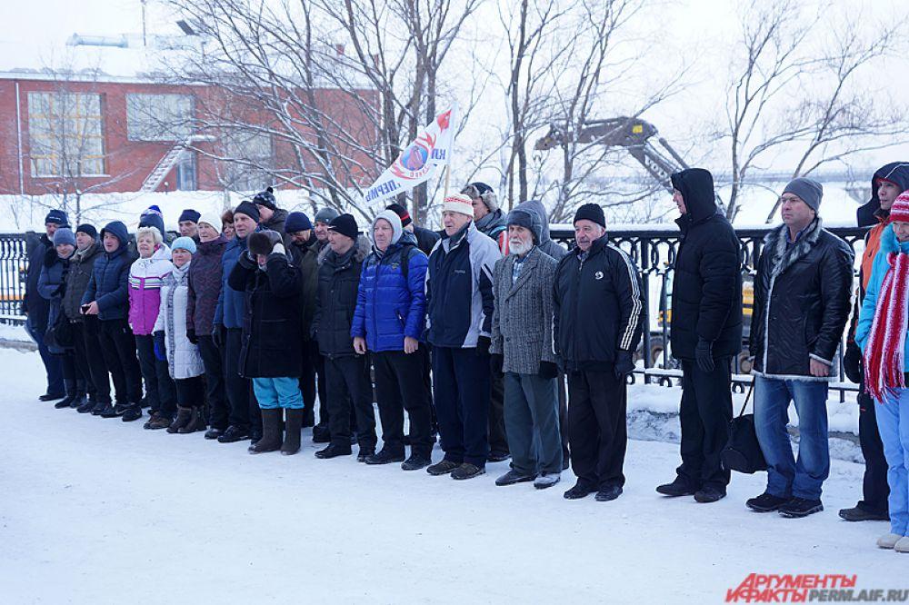 В воскресенье, 20 декабря, пермские «моржи» открыли зимний купальный сезон.
