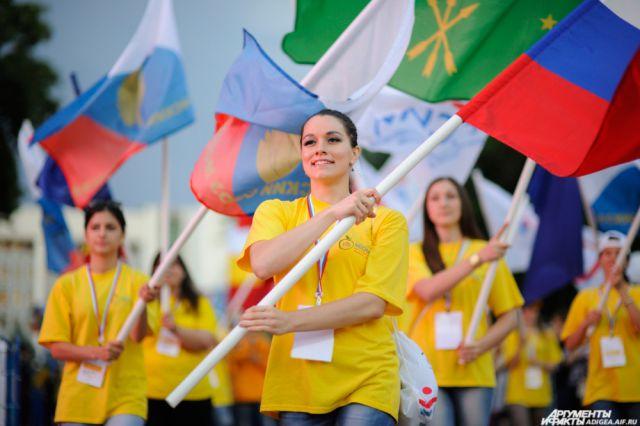На пять дней фестиваля в Приморье собралась самая яркая, талантливая, интеллектуальная и целеустремленная молодежь России.