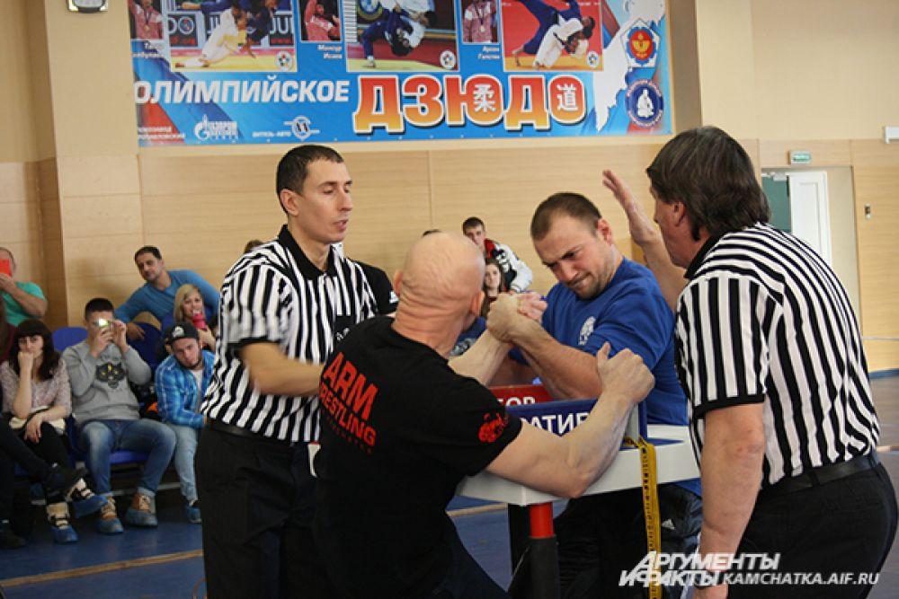 Чемпионат по армрестлингу в Петропавловске.