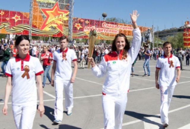 Приморские волонтеры в Казани и работали в волонтерском штабе, и сопровождали спортсменов на объекте.