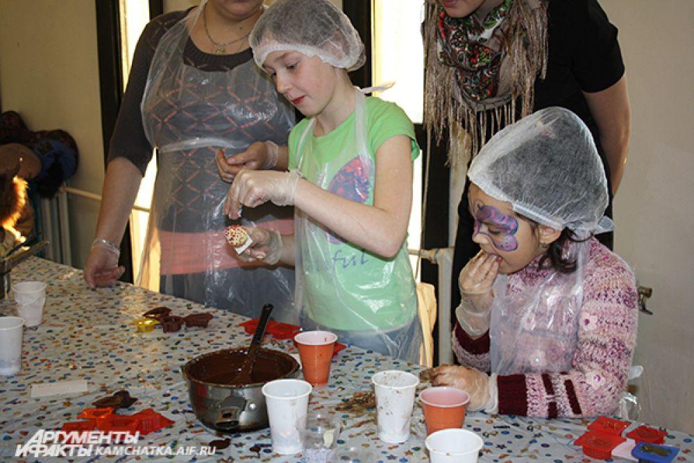На уроке по изготовлению конфет можно было вдоволь наесться шоколада.