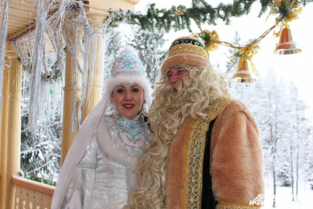 Кыш Бабай слепил свою дочь Кар Кызы из снега.