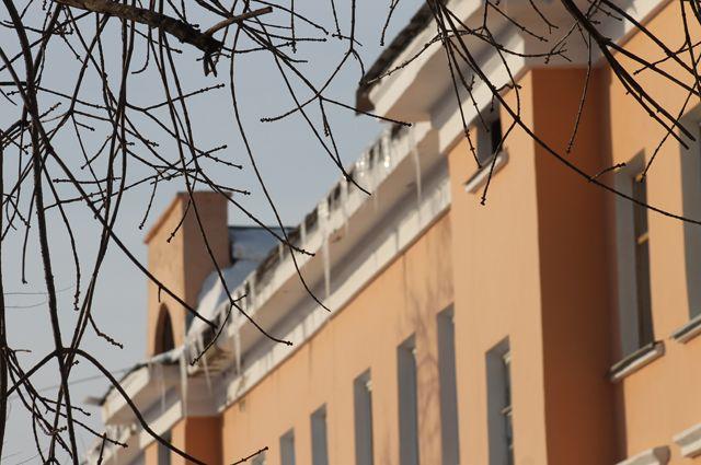 Дождь идо8 градусов тепла: погода в столицеРФ  идет нарекорд