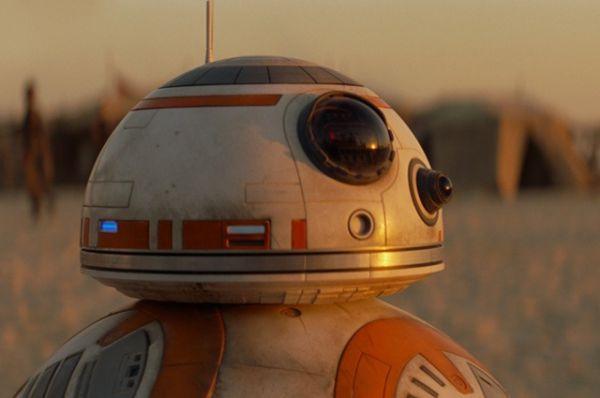 Дроид ВB-8 - бело-оранжевый дроид-астромеханик, принадлежащий По Дамерону.