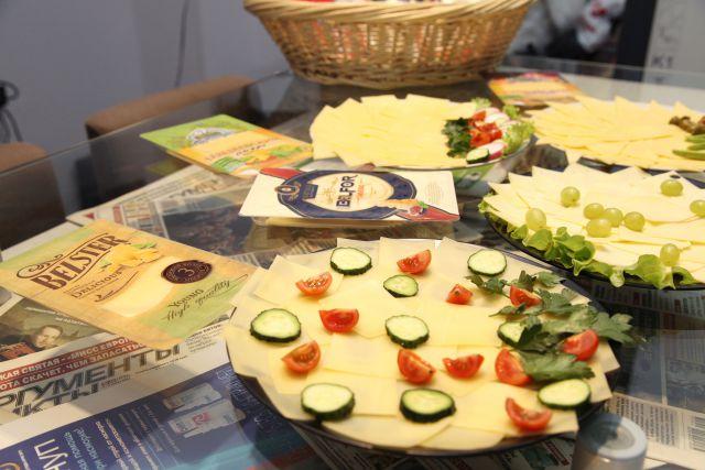 Специалисты Россельхознадзора обнаружили крупную партию поддельного сыра.