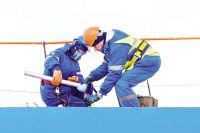 При поступлении нефтепродуктов на АЗС берётся отбор проб из бензовоза.