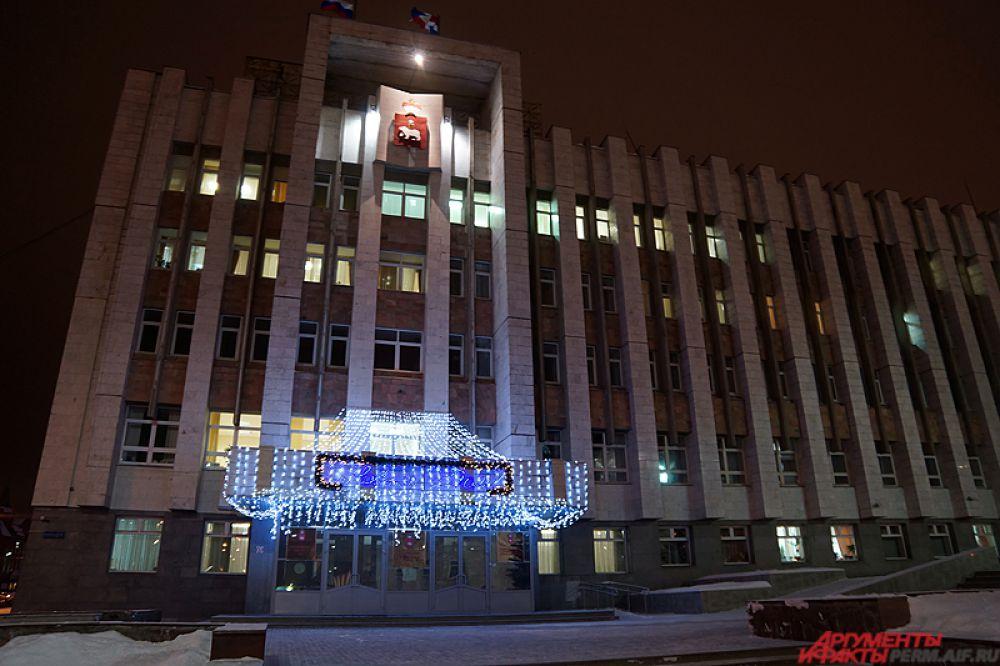 Также новый «фонтан» появится и на перекрестке улицы Подлесной и шоссе Космонавтов. Монтаж всех конструкций завершится до конца декабря.
