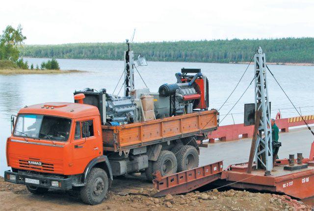 Чтобы переправы через русло реки Оки заработали в полную силу, их нужн опередат ьпрофессионалам.