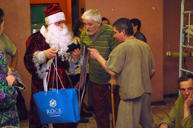 Новогоднее чудо предчувствуют и в городских ночлежках.