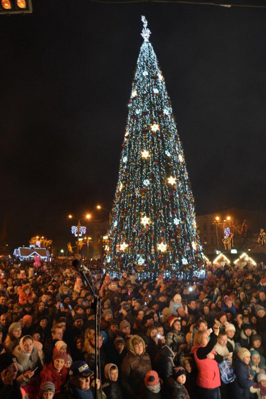 Новогодняя елка в Черновцах
