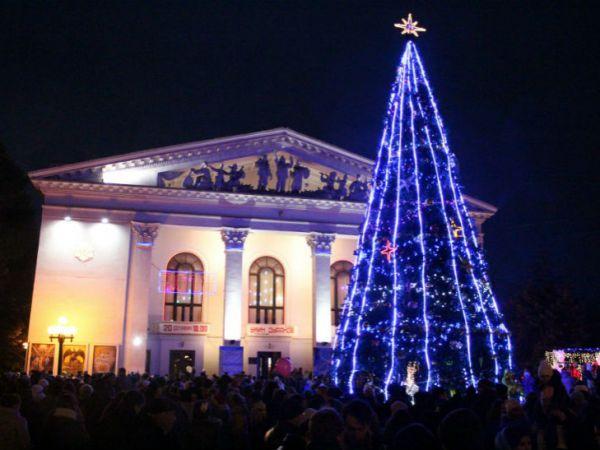 Праздничная елка в Мариуполе
