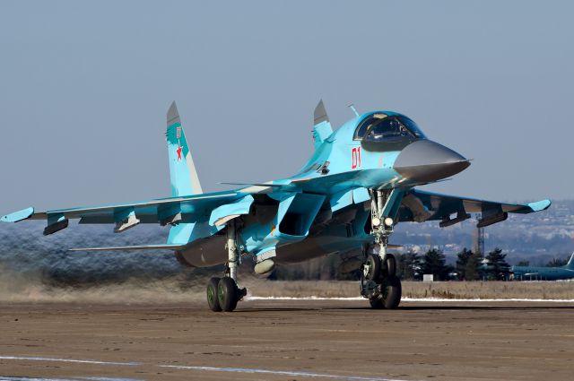 Су-34 разбомбили крупнейший тренировочный лагерь ДАИШ вСирии— ВКСРФ