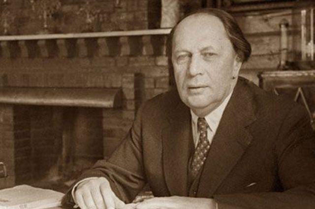 Алексей Толстой.