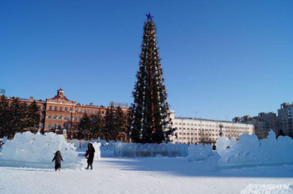 Центральная ёлка Хабаровска.