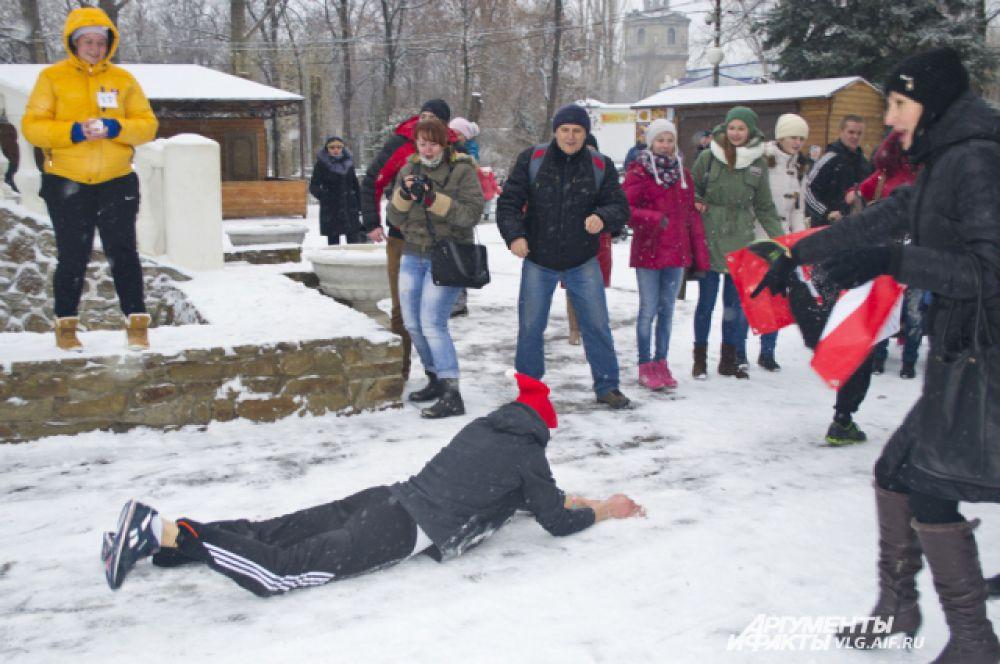 В минувшую субботу в Волжском прошел забег Дедов Морозов.