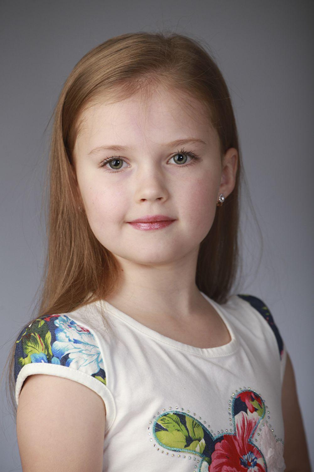 Анастасия Нагорничных, 7 лет, 8-ой конкурс красоты и талантов  «Маленькая Мисс Вятка-2016». Младшая группа.