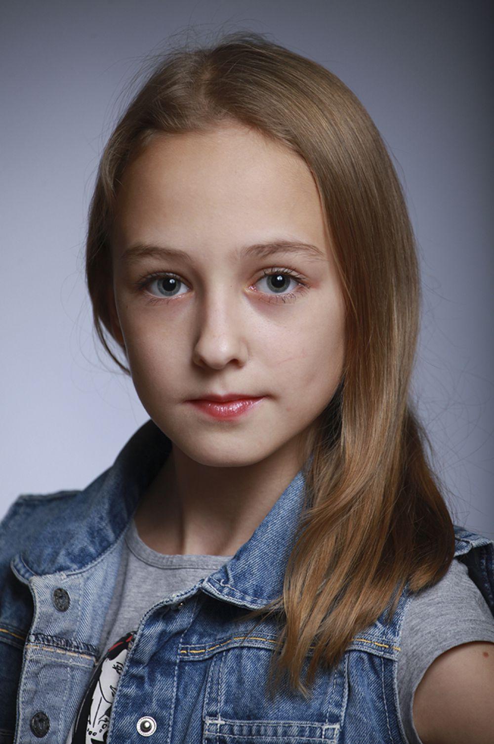 Ксения Агинских, 12 лет, 8-ой конкурс красоты и талантов  «Маленькая Мисс Вятка-2016». Средняя группа.