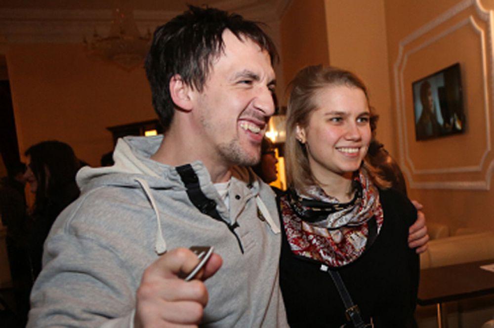 27 октября актеры Артур Смольянинов и Дарья Мельникова стали родителями, у них родился сын. Молодые супруги оберегают свою личную жизнь и не дают интервью на личные темы, поэтому имя мальчика неизвестно.